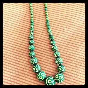 Jewelry - Vintage Retro Green Beaded Necklace